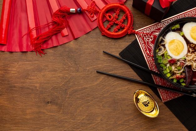 Китайское новогоднее блюдо с палочками Бесплатные Фотографии