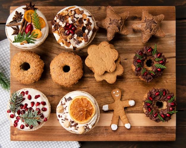 菓子菓子とジンジャーブレッドの品揃えのトップビュー 無料写真