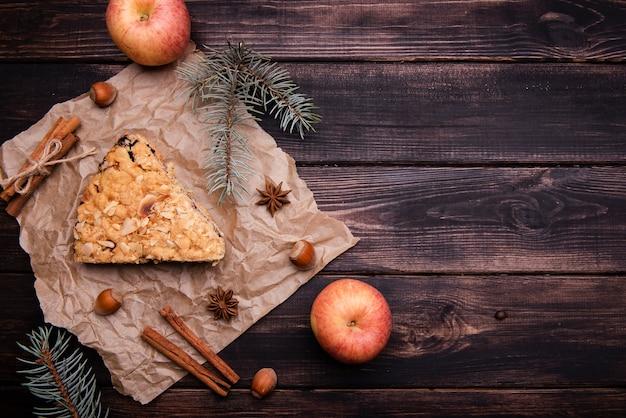 Вид сверху кусочек торта с яблоками Бесплатные Фотографии
