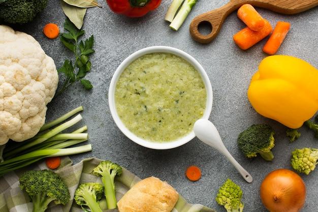 野菜ミックスとフラットレイアウトブロッコリービスク 無料写真