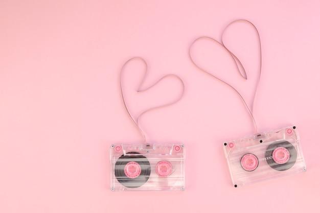 Кассеты с сердечками вид сверху Бесплатные Фотографии