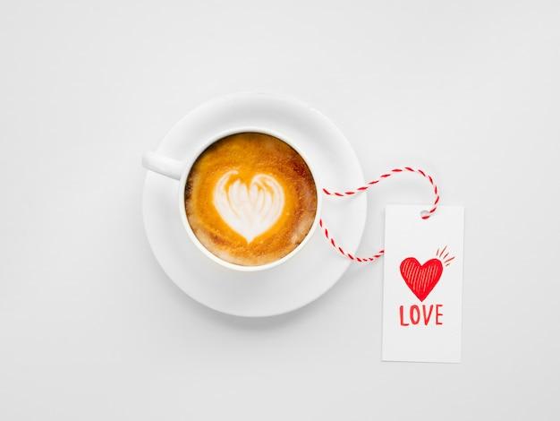 バレンタインタグ付きのおいしいコーヒー 無料写真