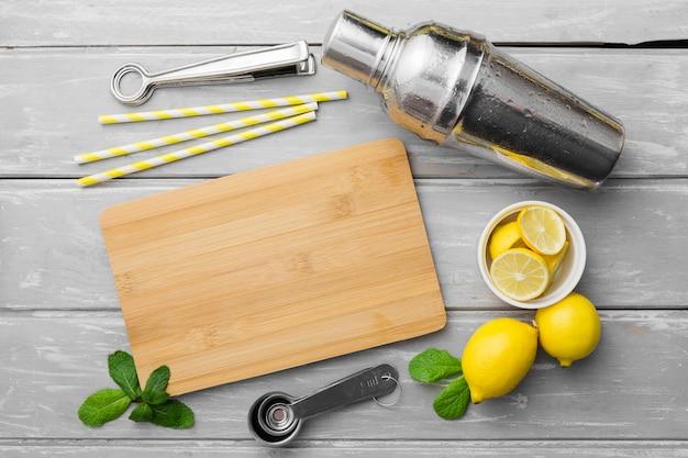 レモンとミントのまな板 無料写真