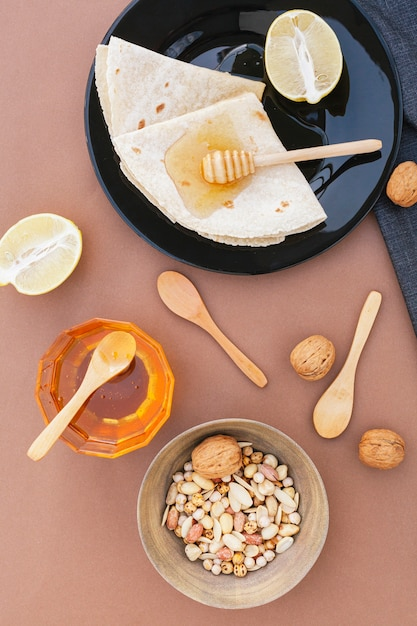蜂蜜とレモンのトップビュートルティーヤ 無料写真
