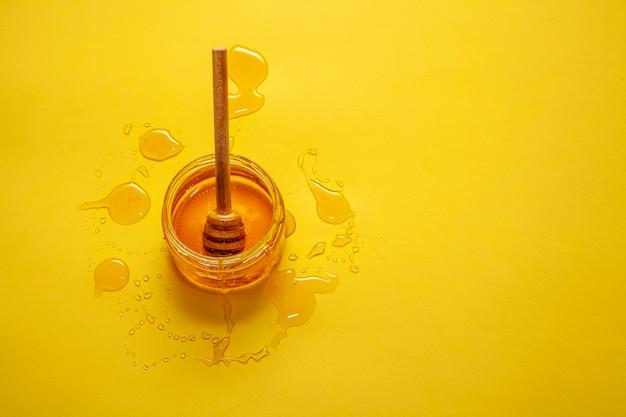 有機蜂蜜のトップビュージャー 無料写真