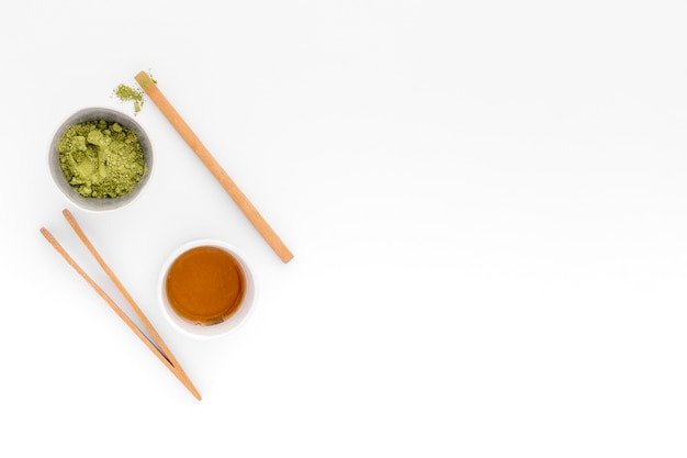 コピースペースを持つトップビュー抹茶ティーコンセプト 無料写真