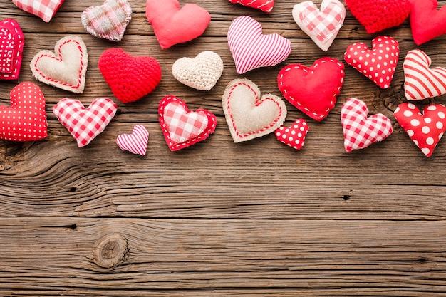 コピースペースでバレンタインの日の装飾品のトップビュー 無料写真