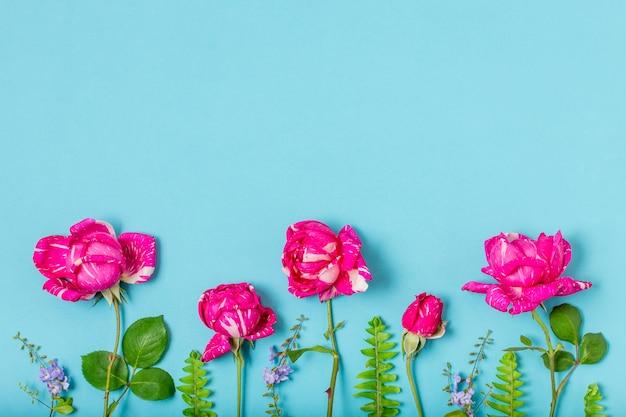 Вид сверху букет роз с копией пространства Бесплатные Фотографии
