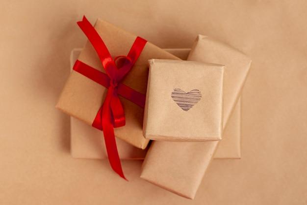 Плоская кладка подарков на день святого валентина Бесплатные Фотографии