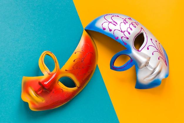 Вид сверху разноцветных масок для карнавала Бесплатные Фотографии