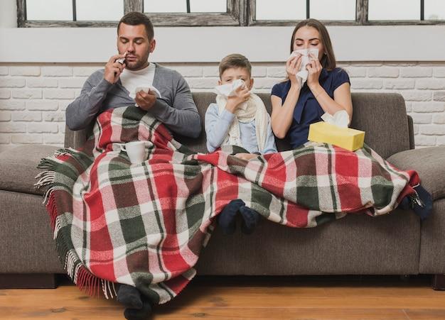 Портрет больной семьи крытый Бесплатные Фотографии