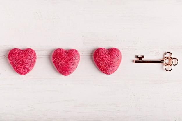 Ключ рядом с сердцем Бесплатные Фотографии
