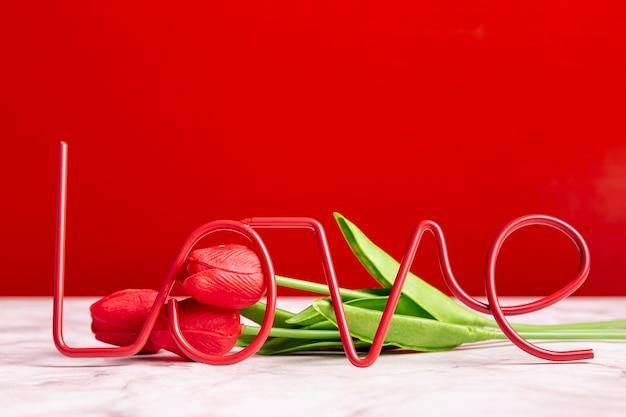 Любовное украшение с тюльпанами Бесплатные Фотографии