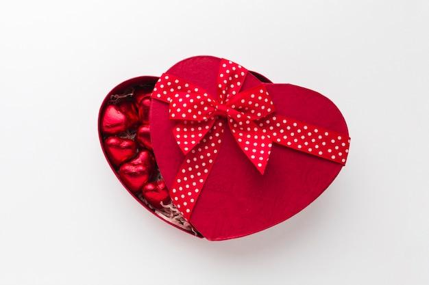 かわいいリボンが付いた素敵なキャンディーボックス 無料写真