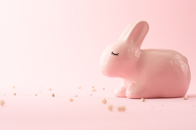 Симпатичная керамическая игрушка ручной работы кролик Бесплатные Фотографии