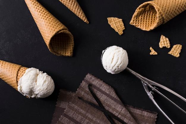 Крупным планом мороженое с мороженым Бесплатные Фотографии