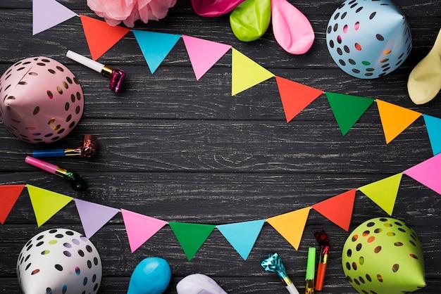 木製の背景のビュー誕生日の装飾の上 無料写真