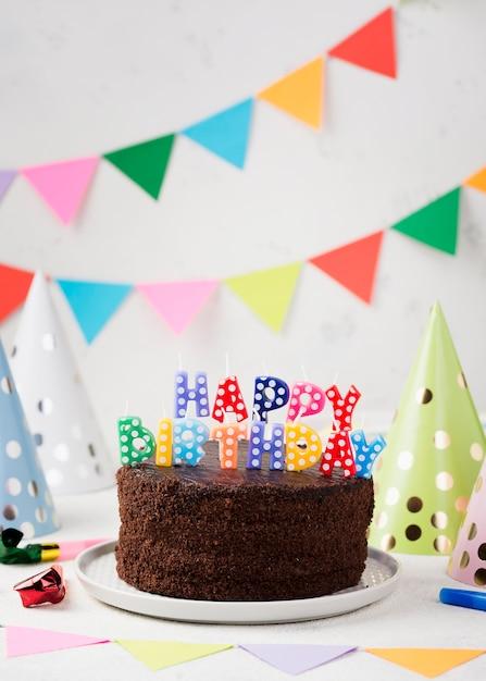 誕生日チョコレートケーキの手配 無料写真