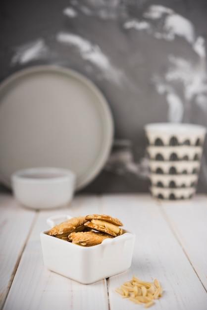 Макро печенье в миску Бесплатные Фотографии