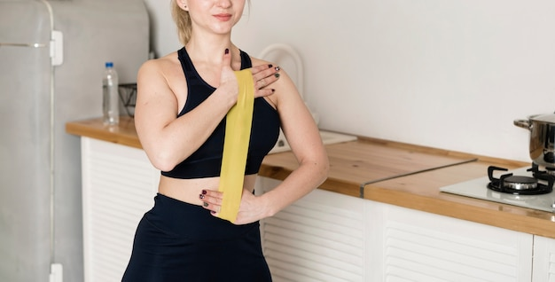 Тренировка женщин на резинке Бесплатные Фотографии