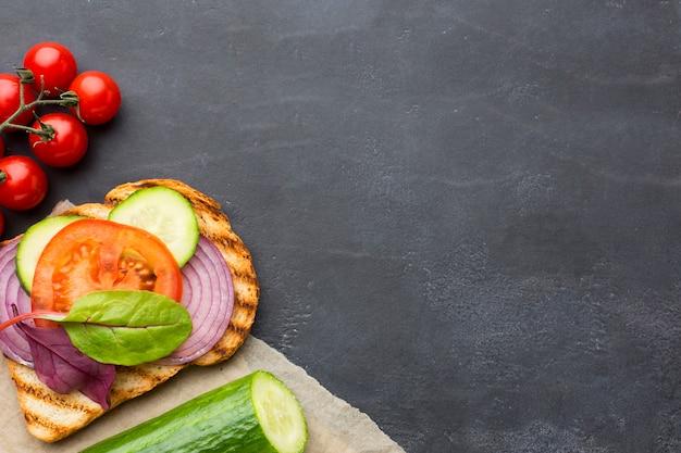 Вкусные тосты и ингредиенты Бесплатные Фотографии