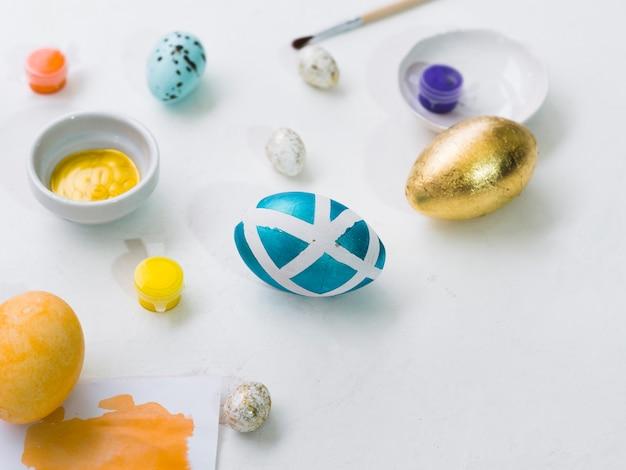 イースターの塗装卵の高角 無料写真