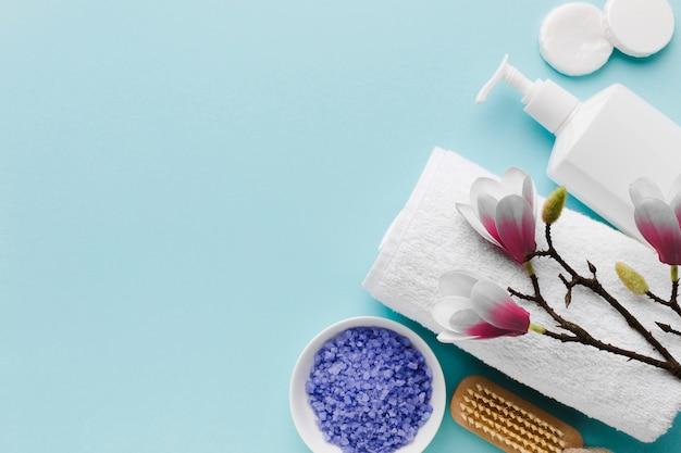 タオルと入浴剤のコピースペース 無料写真