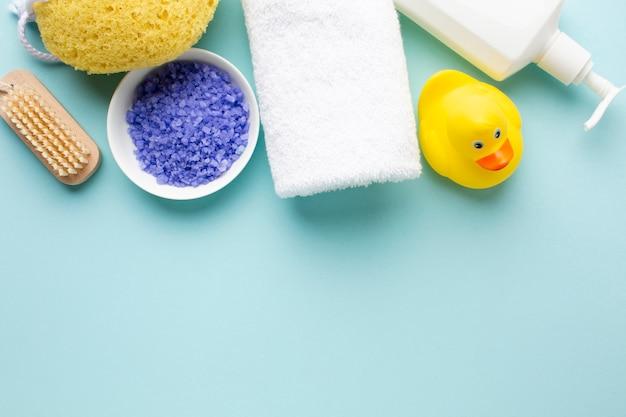 Резиновая утка и соль для ванн Бесплатные Фотографии