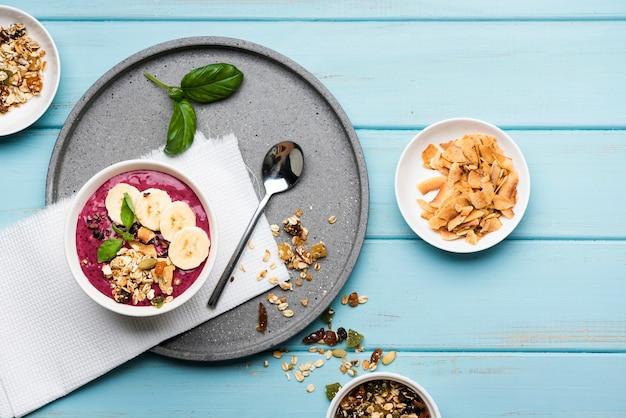 種子と食品のトップビュー健康ボウル 無料写真
