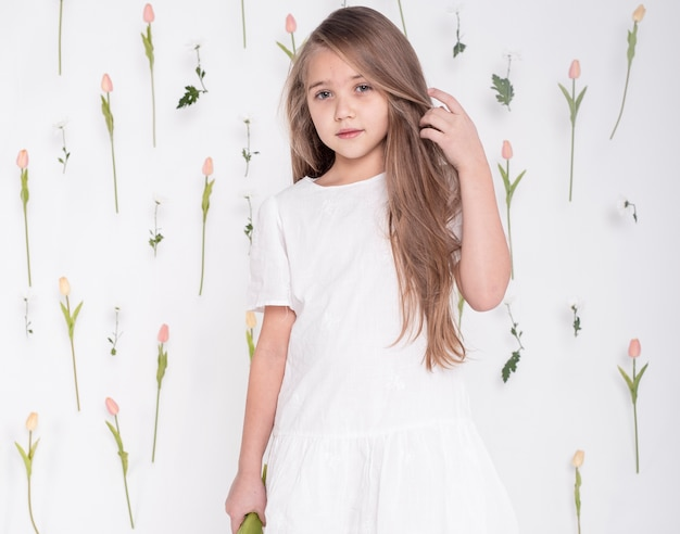 かわいい女の子ミディアムショット 無料写真