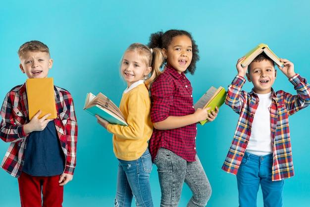 Смайлик детское чтение Бесплатные Фотографии
