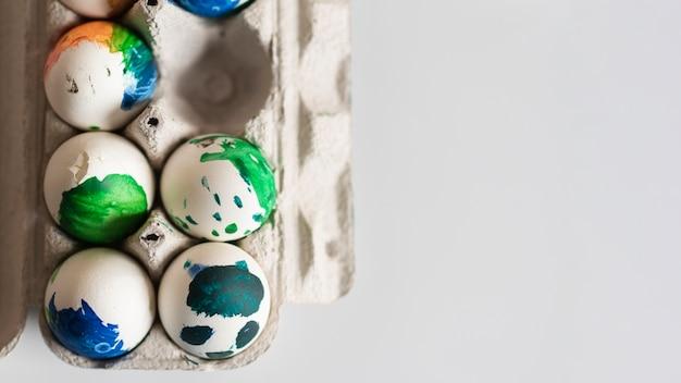 Вид сверху крашеные яйца на пасху Бесплатные Фотографии