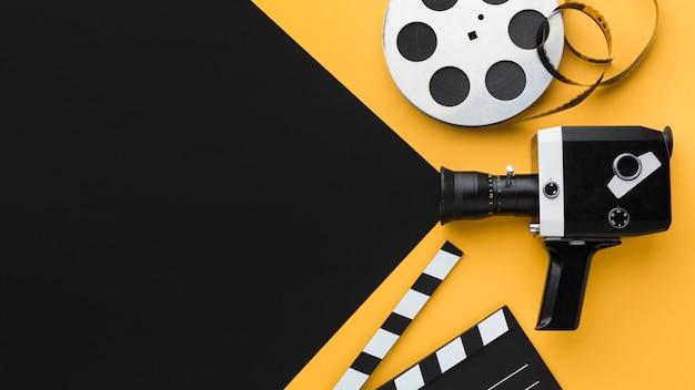Ретро кинокамера сверху с копией пространства Бесплатные Фотографии