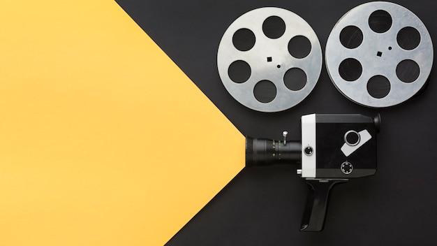 Фильм создания элементов на двухцветном фоне с копией пространства Бесплатные Фотографии