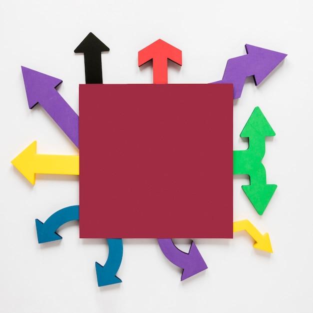 Вид сверху красочные стрелки рамы и квадратный макет Бесплатные Фотографии