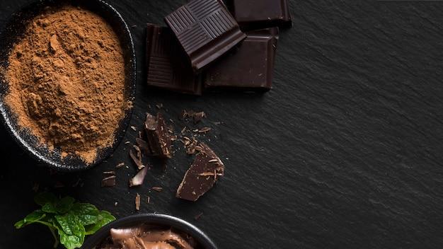 スイートチョコレートとココアパウダー 無料写真