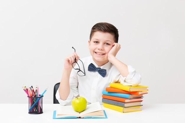 メガネの少年講演時間 無料写真
