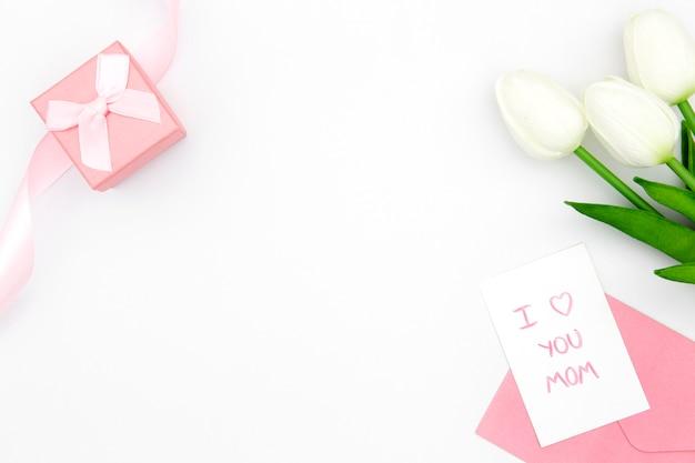 Вид сверху белых тюльпанов с копией пространства Бесплатные Фотографии