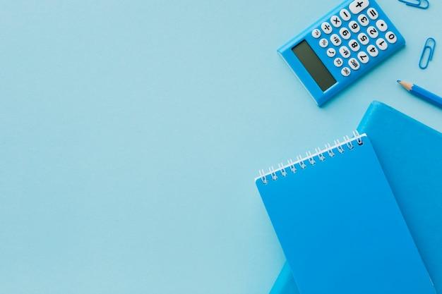 Синий пустой блокнот с копией пространства Бесплатные Фотографии