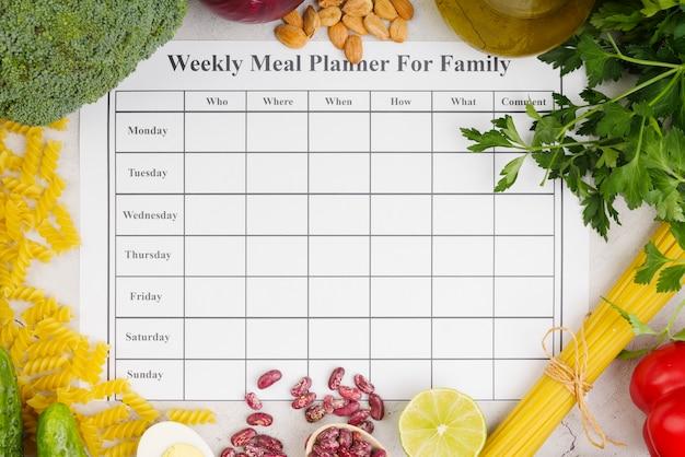 家族の概念のための毎週の食事プランナー 無料写真