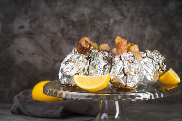 レモンとハイアングルチキン 無料写真