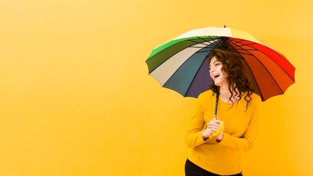 Вид спереди женщины с копией пространства Бесплатные Фотографии