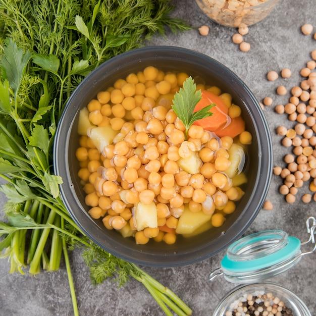ひよこ豆の自家製スープのクローズアップ 無料写真
