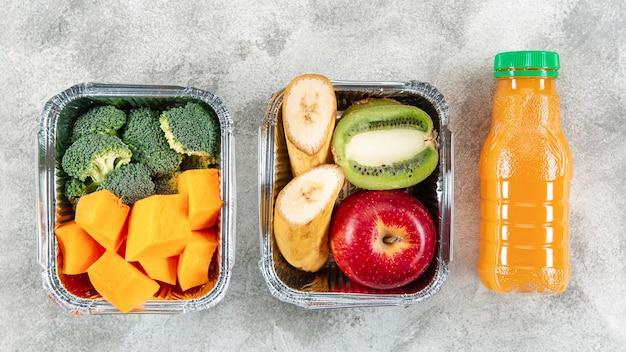 キャセロールの野菜や果物のフラットレイアウト 無料写真