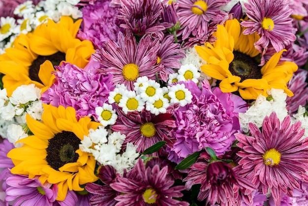 色とりどりの花のクローズアップの品揃え 無料写真