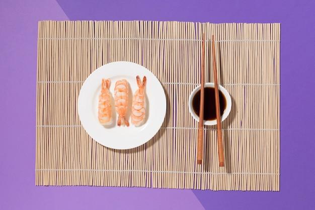 醤油とトップビュー寿司日コンセプト 無料写真