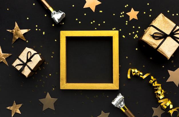 Золотая рамка с подарками Бесплатные Фотографии