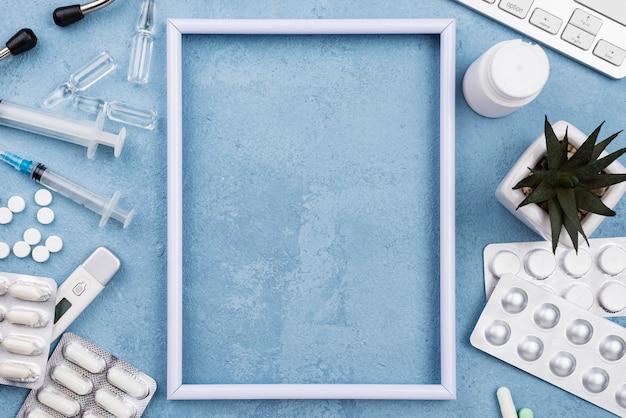 Пустая рамка на синем фоне цемента Бесплатные Фотографии
