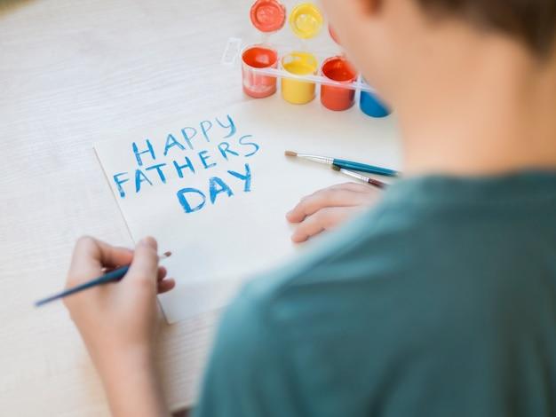 Подарок на день отца через плечо Бесплатные Фотографии