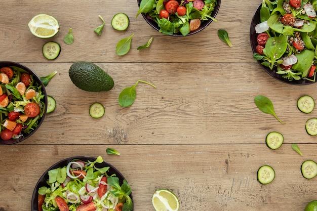 サラダ付きプレート付きフレーム 無料写真